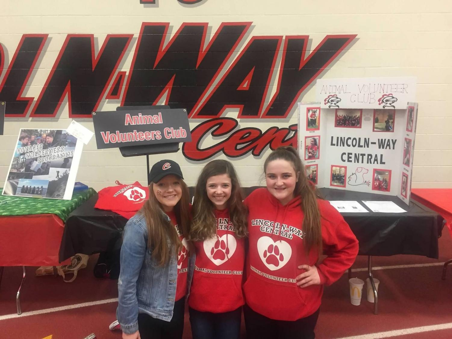 Animal Volunteer Club founders, Allison Twohig, Sarah Peters, and Kamryn Robustelli at the Freshman Open House